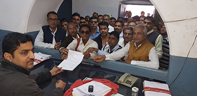 Rajasthan_govt_employees giving petition