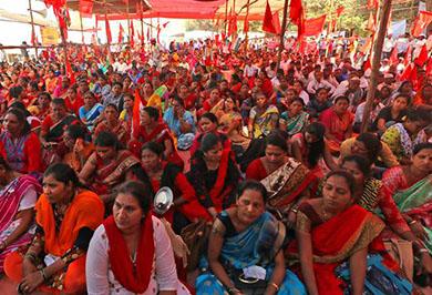 Women workers in Azad Maidan Mumbai