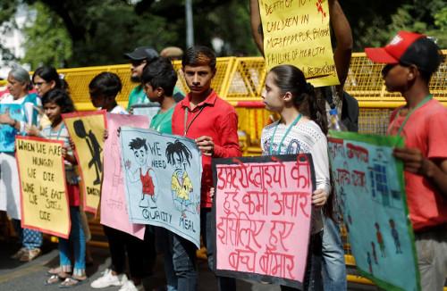 protest against enciphilitis june 2019