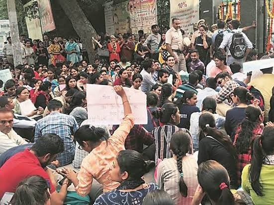 Teachers protest in New Delhi